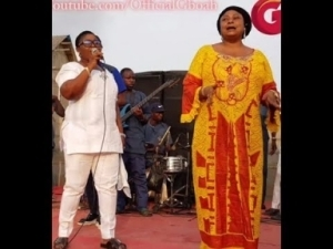 Video: Ronke Oshodi Calls Out St Janet To Sing For Guests At The Opening Of Muka Ray